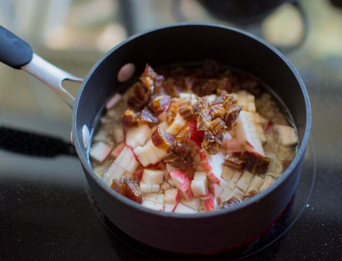 Caramel Apple Oatmeal | Feed Your Skull