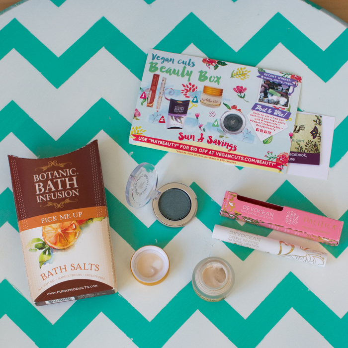 May 2015 Vegan Cuts Beauty Box | Feed Your Skull